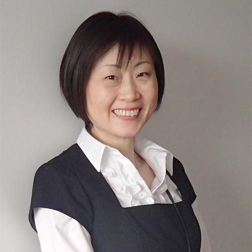 須川亜紀子